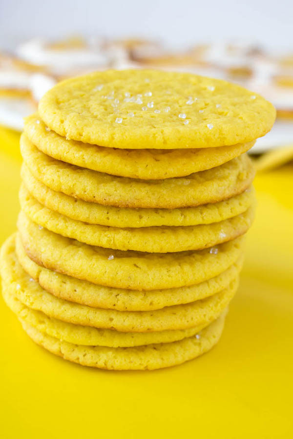 Soft and Chewy Lemon Sugar Cookies | queensleeappetit.com