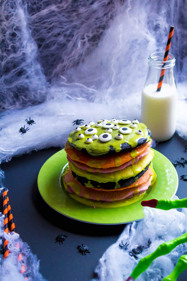 These Halloween Pancakes are a fun and easy breakfast to enjoy this Halloween!