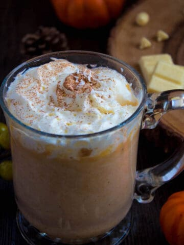 This Pumpkin Spice White Hot Chocolate is rich, smooth and creamy. Packed with classic fall flavours, this is the perfect beverage for warming up to the crisp autumn air.
