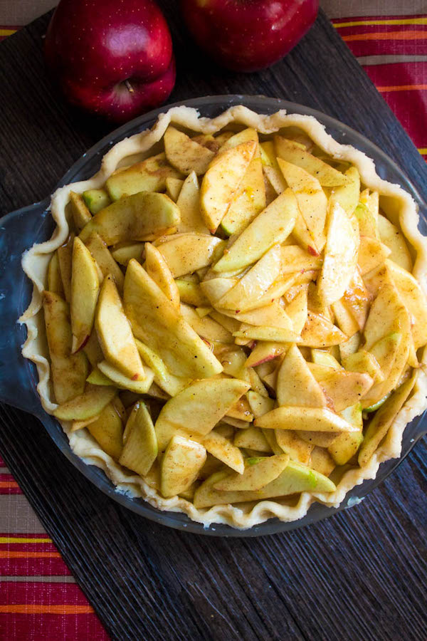 Homemade Apple Pie – Fresh apples, tossed with sugar and spices, and baked into a buttery flaky crust!