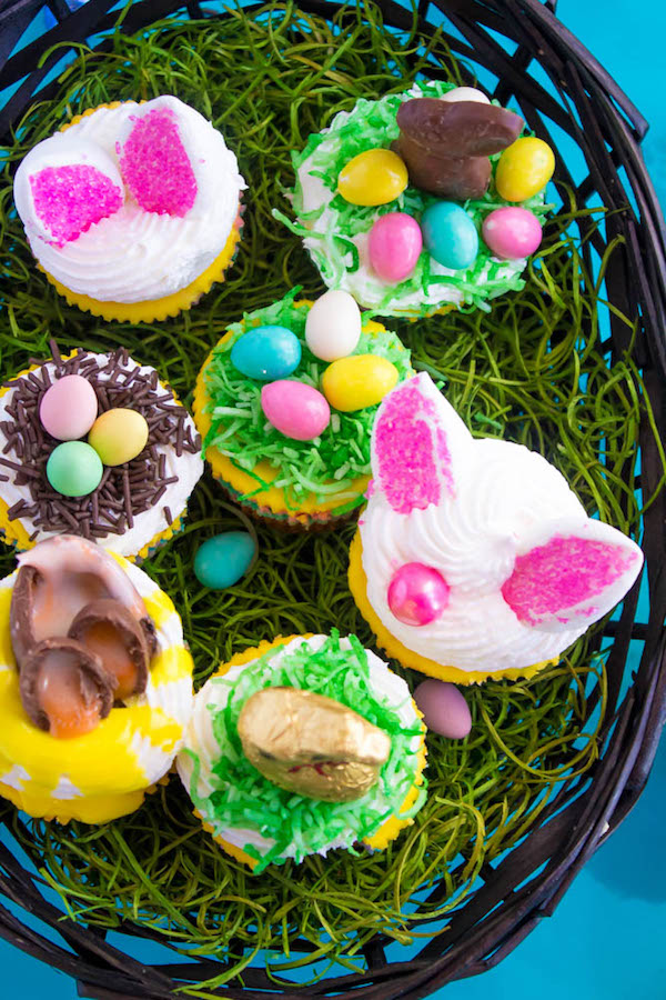 These Mini Easter Cheesecakes are a colourful, fun, festive Easter and Spring treat! Creamy, pastel layered mini cheesecakes topped with yummy Easter candy!