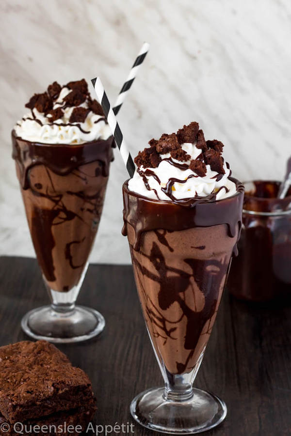 This Brownie Milkshake is a super decadent treat every chocolate lover should taste at least once! Loaded with brownie chunks and decorated with ganache, this milkshake is packed with delicious chocolate flavour.
