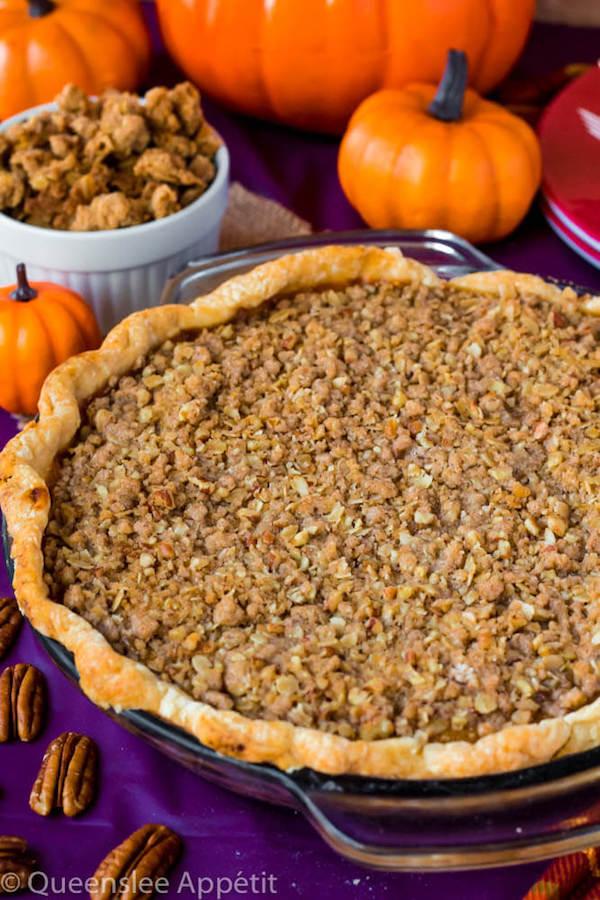 streusel pumpkin pie