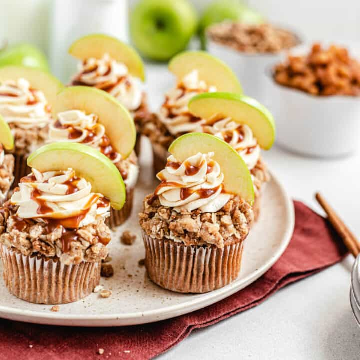 Caramel Apple Crumble Cupcakes