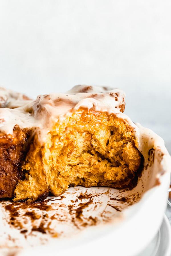 fluffy pumpkin cinnamon rolls