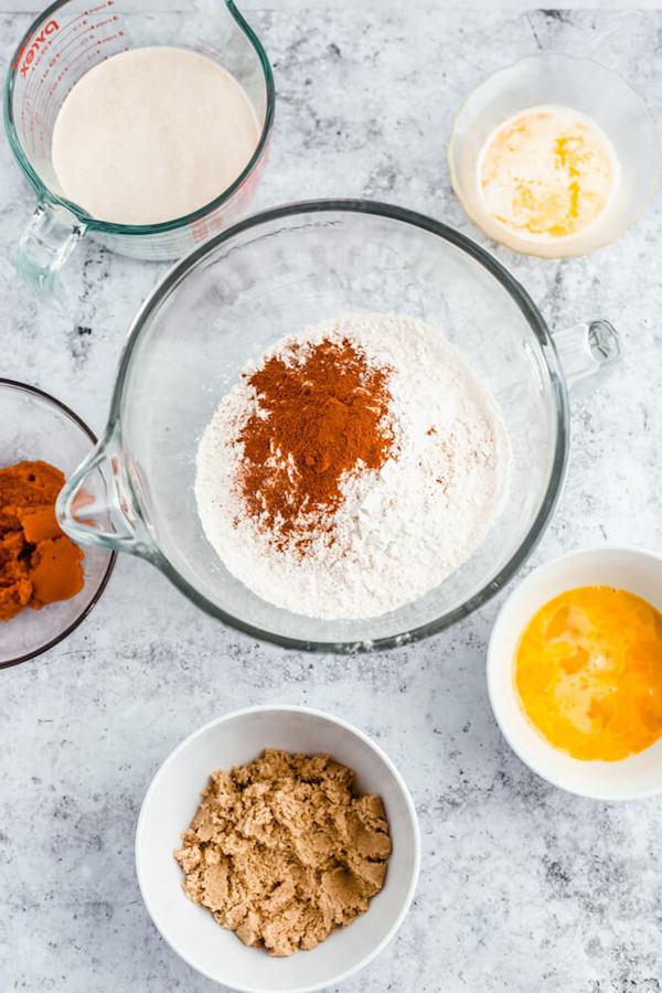 ingredients to make pumpkin dough