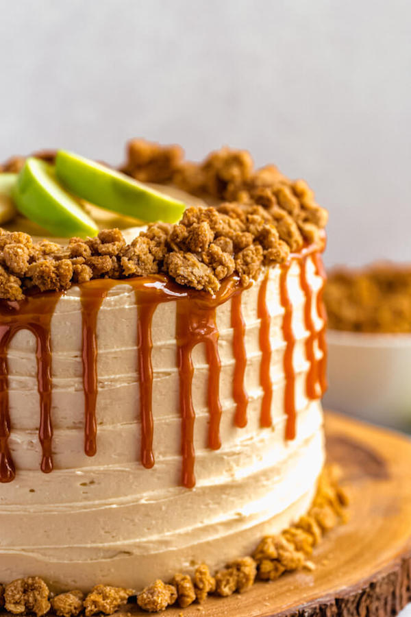 close up side view of caramel apple crumble cake