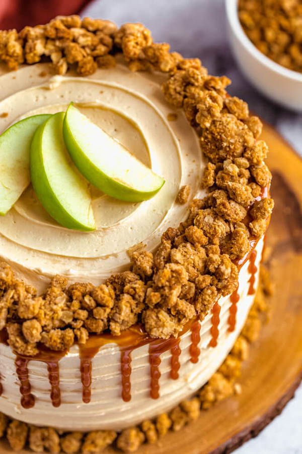 close up view of caramel apple crumble cake